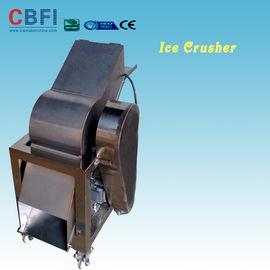 चीन 110 - 220V Electric Crush Ice Machine , Ice Crushing Machine 2 Tons Per Hour फैक्टरी